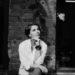 черно-белое фото девушки